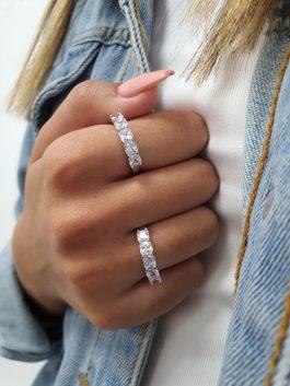 טבעת חמישה סוליטרים מרובעים